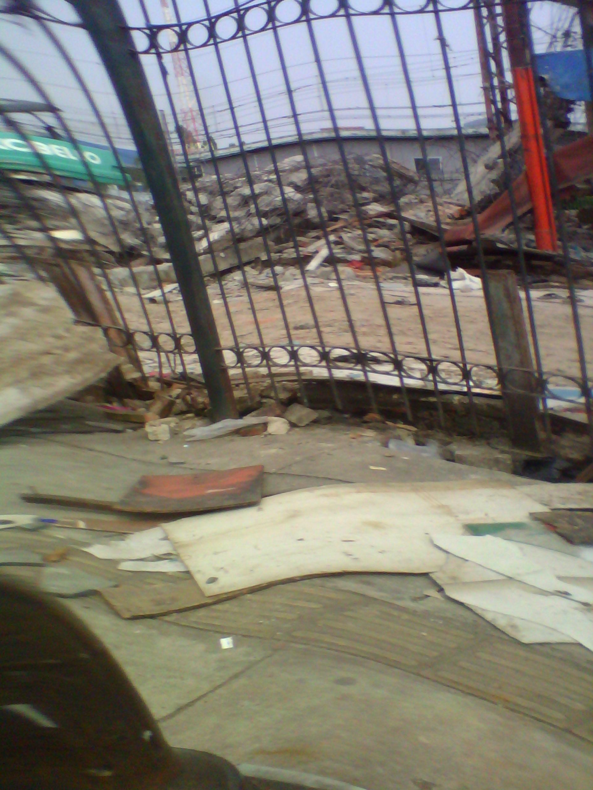 Penghancuran Bangunan Untuk Berjualan di Samping Stasiun Kereta Api Bogor